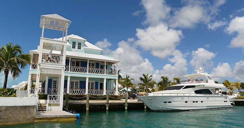 Palm Cay Marina And Beach Club